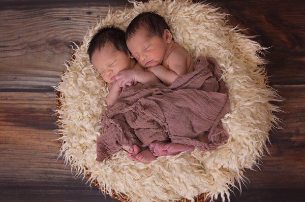 男の子の双子育児をラクにするためのポイントとは?